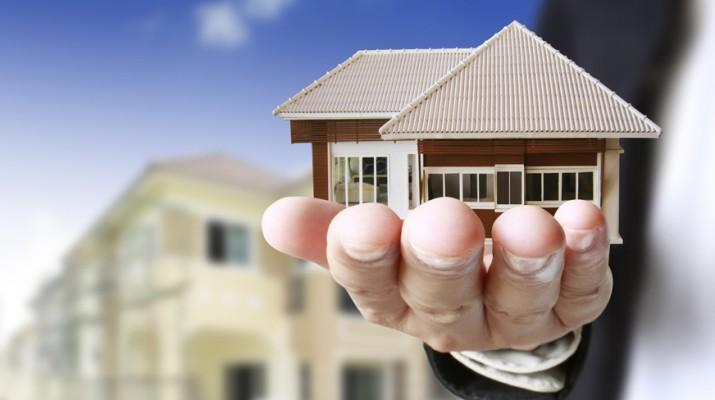 cong chung hop dong 1481710286 - Vì sao phải công chứng các hợp đồng trong giao dịch bất động sản?