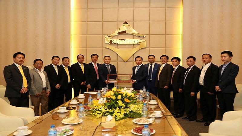 tap doan sun group - Ban Lãnh đạo TP Đà Nẵng thăm, chúc Tết Sun Group đầu xuân 2017