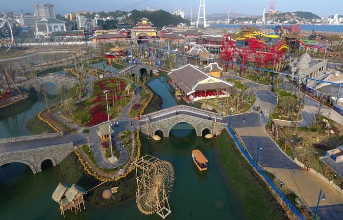 Công viên Đại Dương với nhiều trò chơi hấp dẫn