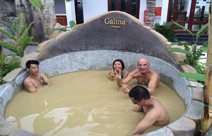 Tắm bùn khoáng tại Galina Mud Bath & Spa Phú Quốc
